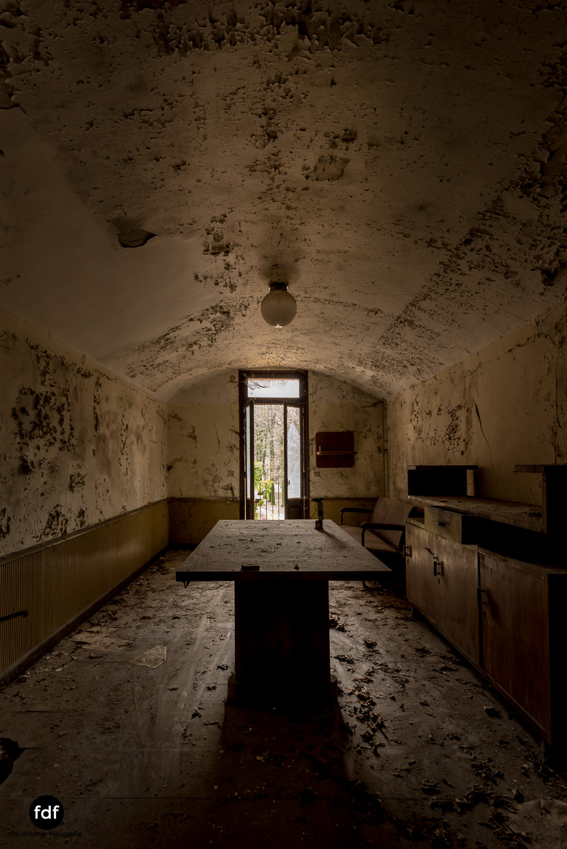 Manicomio di R-Klinik-Asyl-Psychatrie-Lost Place-Italien-48.JPG