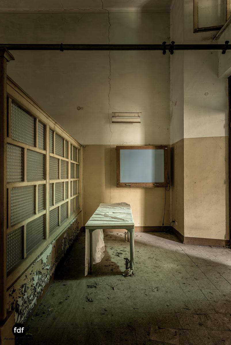 Manicomio di R-Klinik-Asyl-Psychatrie-Lost Place-Italien-47.JPG