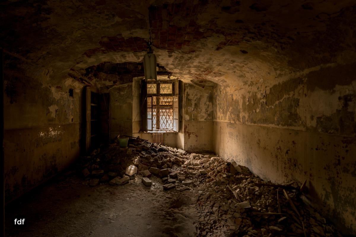 Manicomio di R-Klinik-Asyl-Psychatrie-Lost Place-Italien-53.JPG