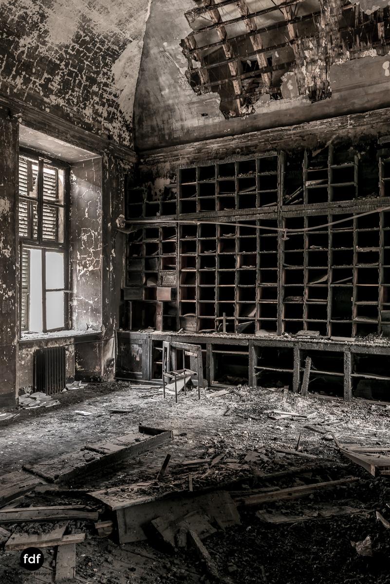 Manicomio di R-Klinik-Asyl-Psychatrie-Lost Place-Italien-59.JPG