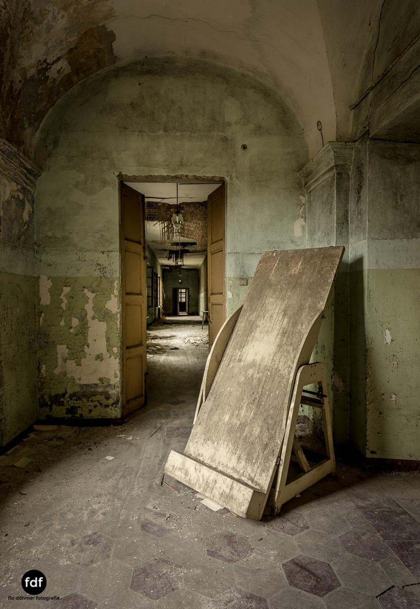Manicomio di R-Klinik-Asyl-Psychatrie-Lost Place-Italien-74.JPG