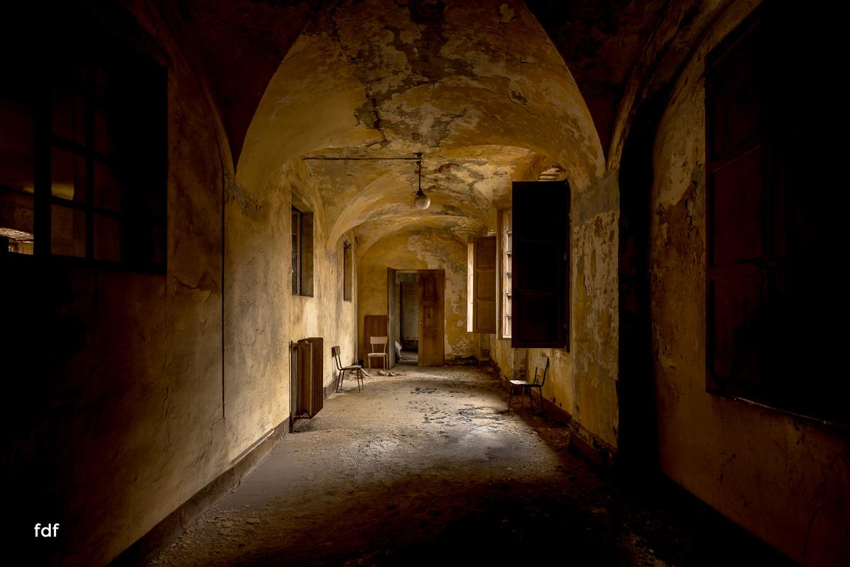 Manicomio di R-Klinik-Asyl-Psychatrie-Lost Place-Italien-93.JPG