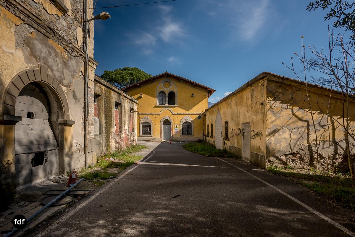 Villa Sbertoli-Klinik-Psychatrie-Herrenhaus-Lost Place-Italien-1.JPG