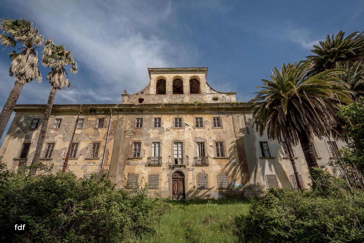 Villa Sbertoli-Klinik-Psychatrie-Herrenhaus-Lost Place-Italien-5.JPG
