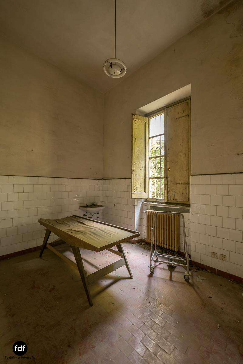 Villa Sbertoli-Klinik-Psychatrie-Herrenhaus-Lost Place-Italien-21.JPG