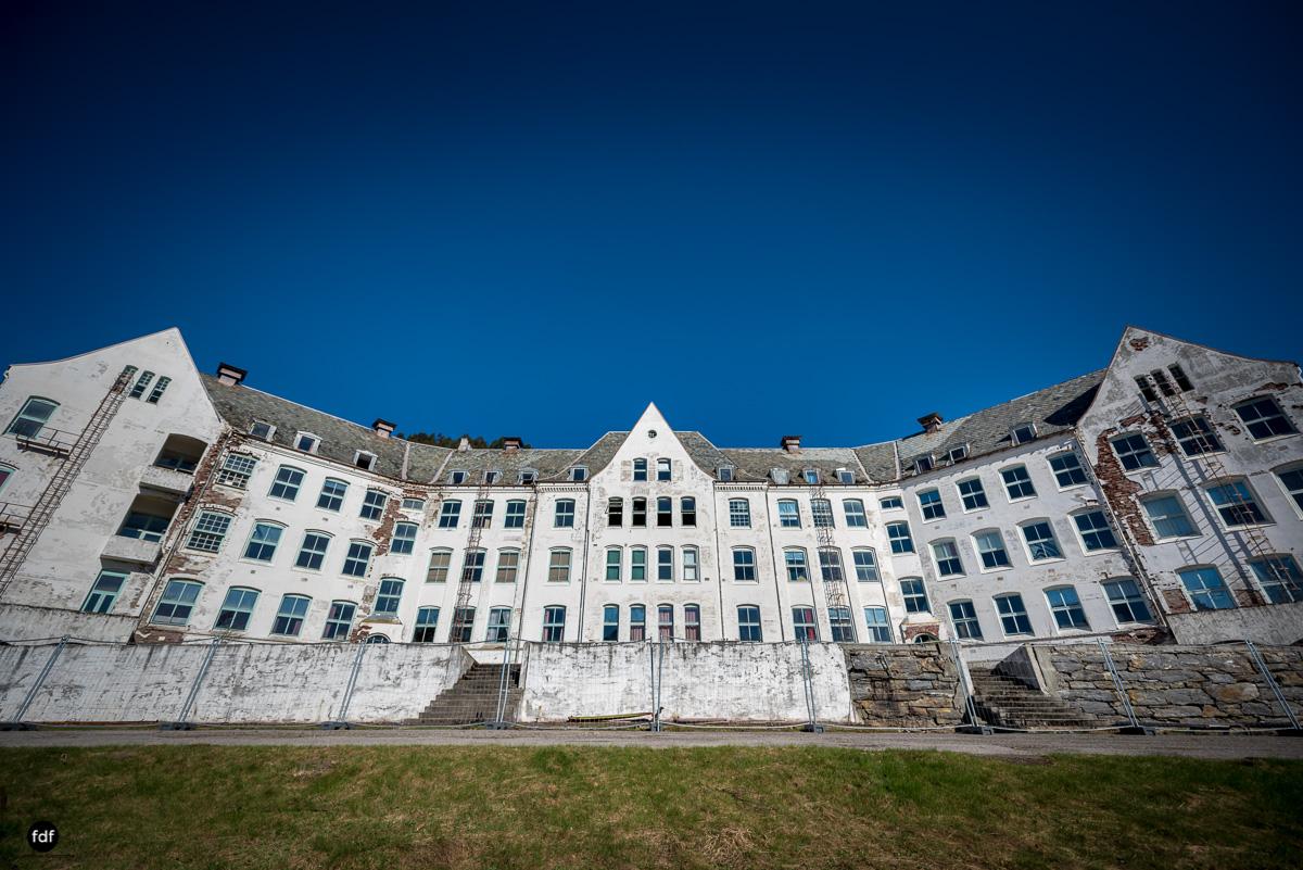Luster Sanatorium-Klinik-Lost Place-Norway-43-Bearbeitet.JPG