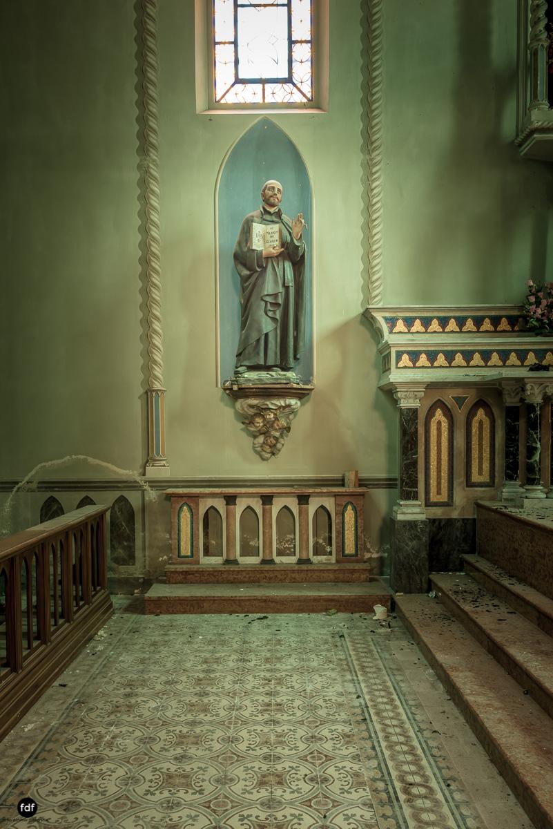 Blue Church Convent-Kloster-Kinderheim-Kirche-Jesuiten-Italien-Lost-Place-11.JPG