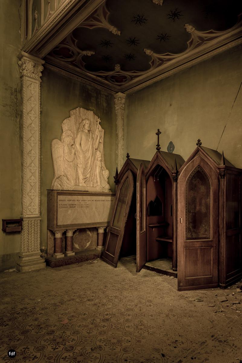 Blue Church Convent-Kloster-Kinderheim-Kirche-Jesuiten-Italien-Lost-Place-27.JPG