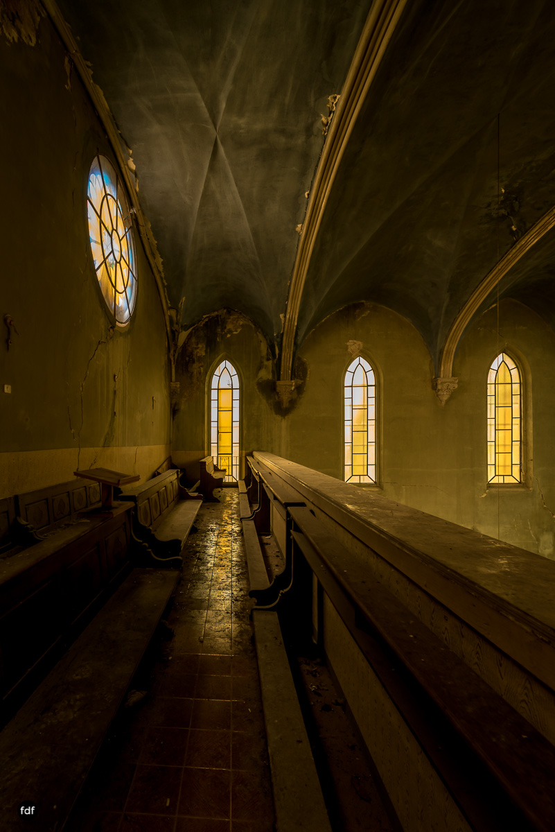 Blue Church Convent-Kloster-Kinderheim-Kirche-Jesuiten-Italien-Lost-Place-31.JPG