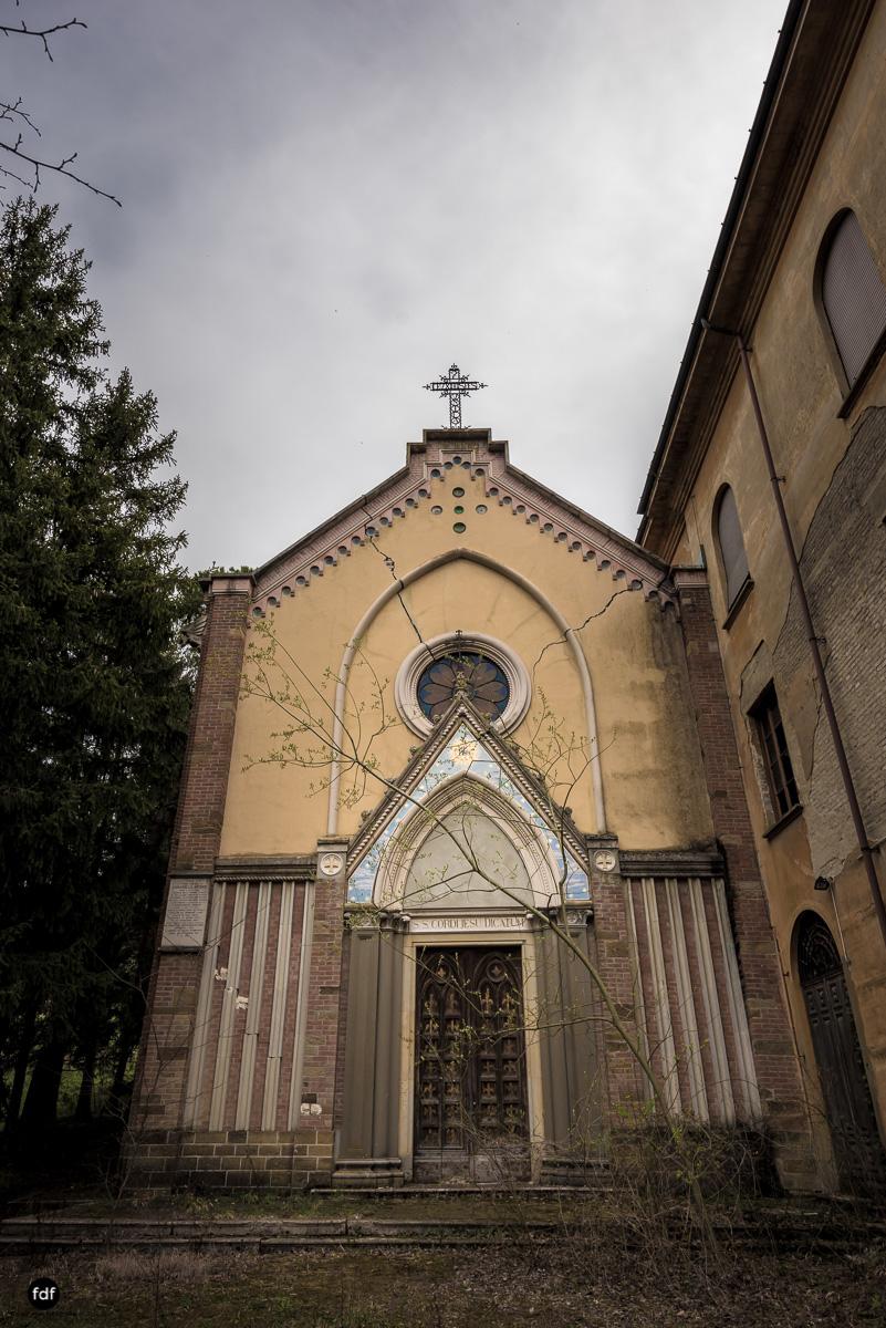 Blue Church Convent-Kloster-Kinderheim-Kirche-Jesuiten-Italien-Lost-Place-63.JPG