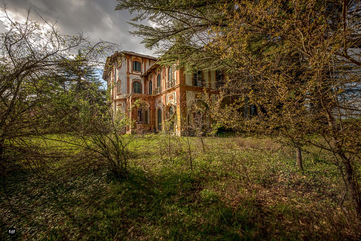 Villa Minetti-Herrenhaus-Lost Place-Italien-1-Bearbeitet.JPG
