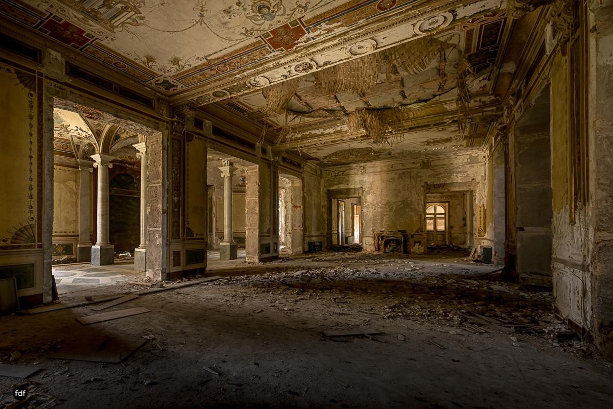 Villa Minetti-Herrenhaus-Lost Place-Italien-9.JPG