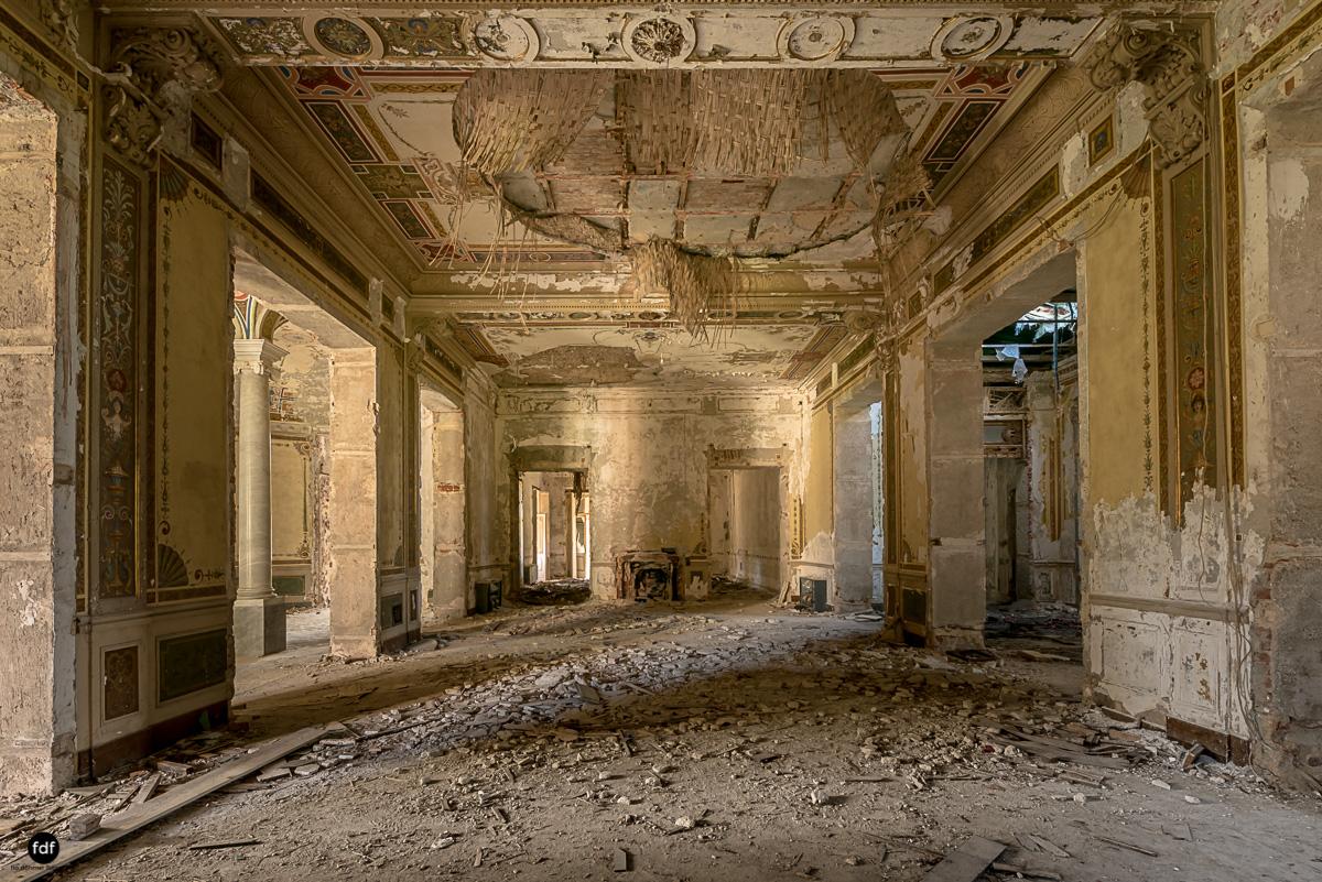Villa Minetti-Herrenhaus-Lost Place-Italien-10.JPG