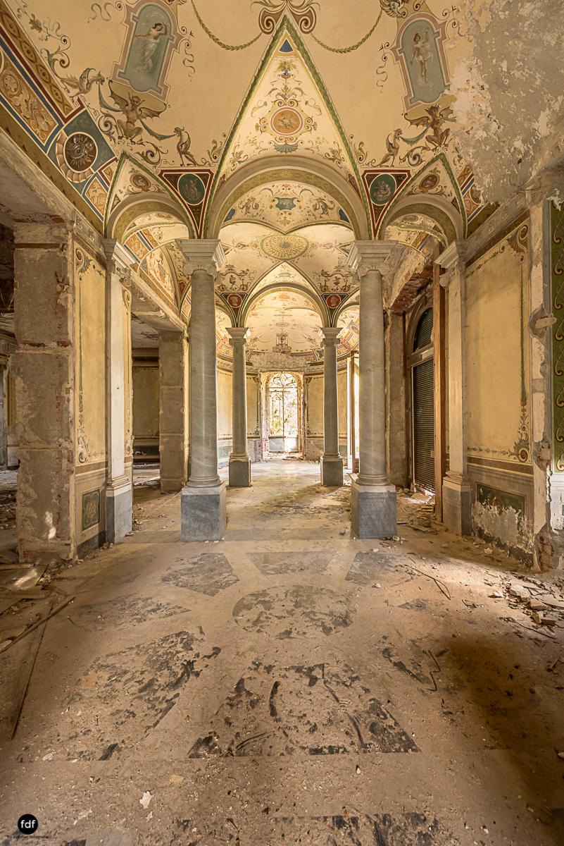 Villa Minetti-Herrenhaus-Lost Place-Italien-19.JPG