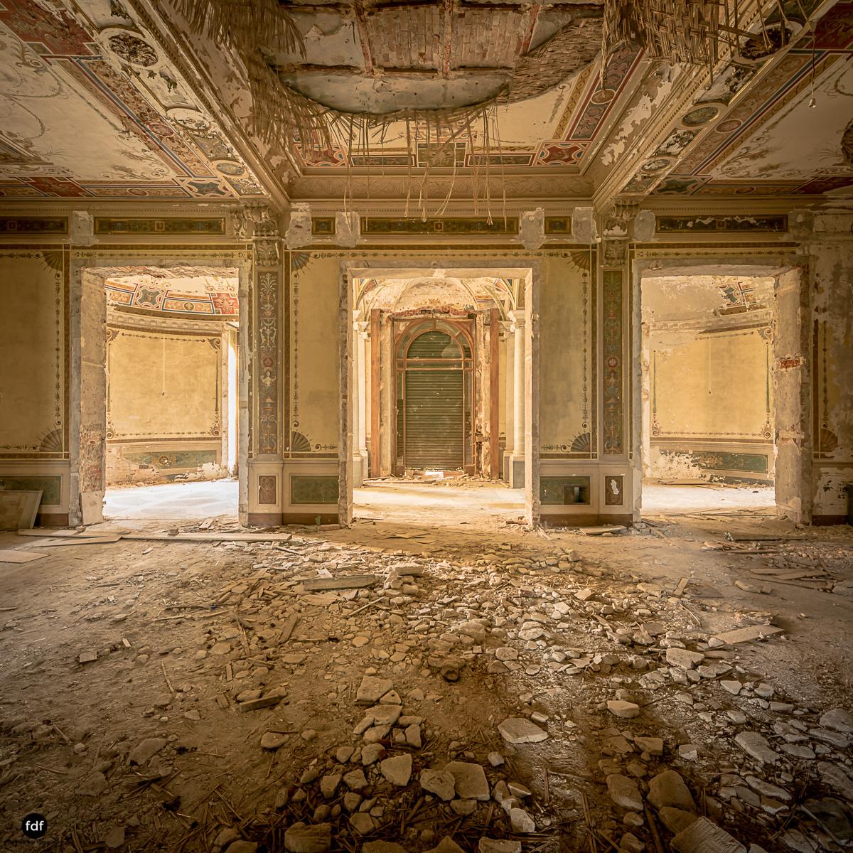 Villa Minetti-Herrenhaus-Lost Place-Italien-25.JPG