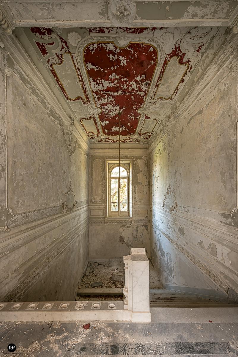 Villa Minetti-Herrenhaus-Lost Place-Italien-50.JPG