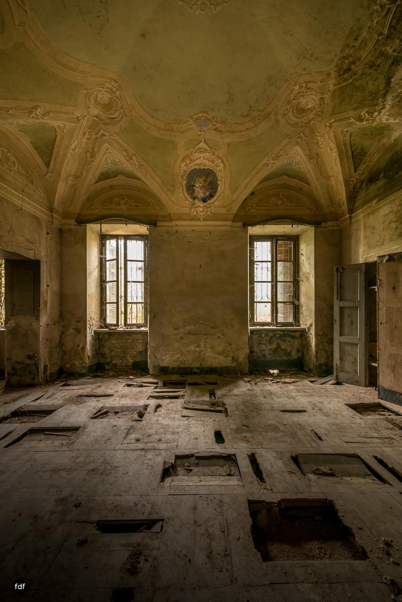 Palazzo di L-Herrenhaus-Kapelle-Lost Place-Italien-6.JPG