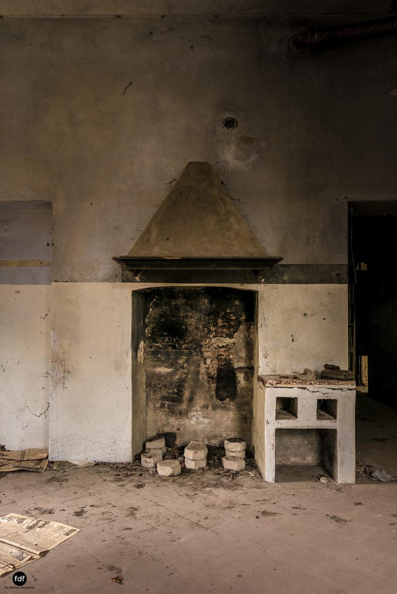Palazzo di L-Herrenhaus-Kapelle-Lost Place-Italien-5.JPG