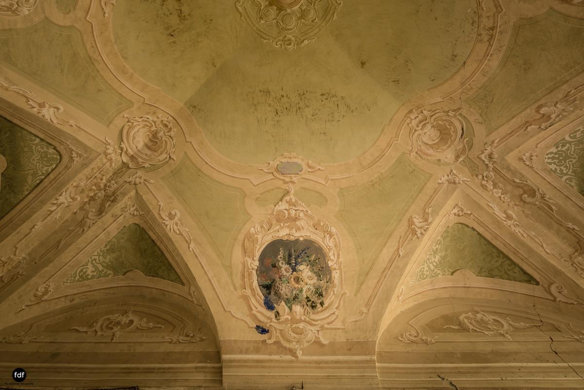 Palazzo di L-Herrenhaus-Kapelle-Lost Place-Italien-10.JPG