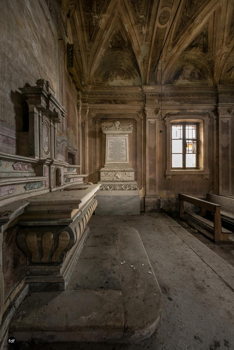 Palazzo di L-Herrenhaus-Kapelle-Lost Place-Italien-68.JPG