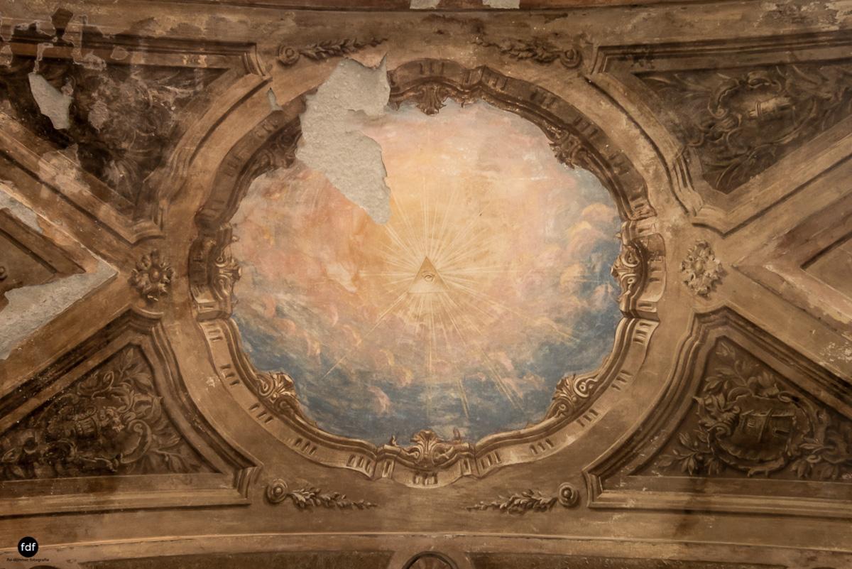 Palazzo di L-Herrenhaus-Kapelle-Lost Place-Italien-72-2.JPG