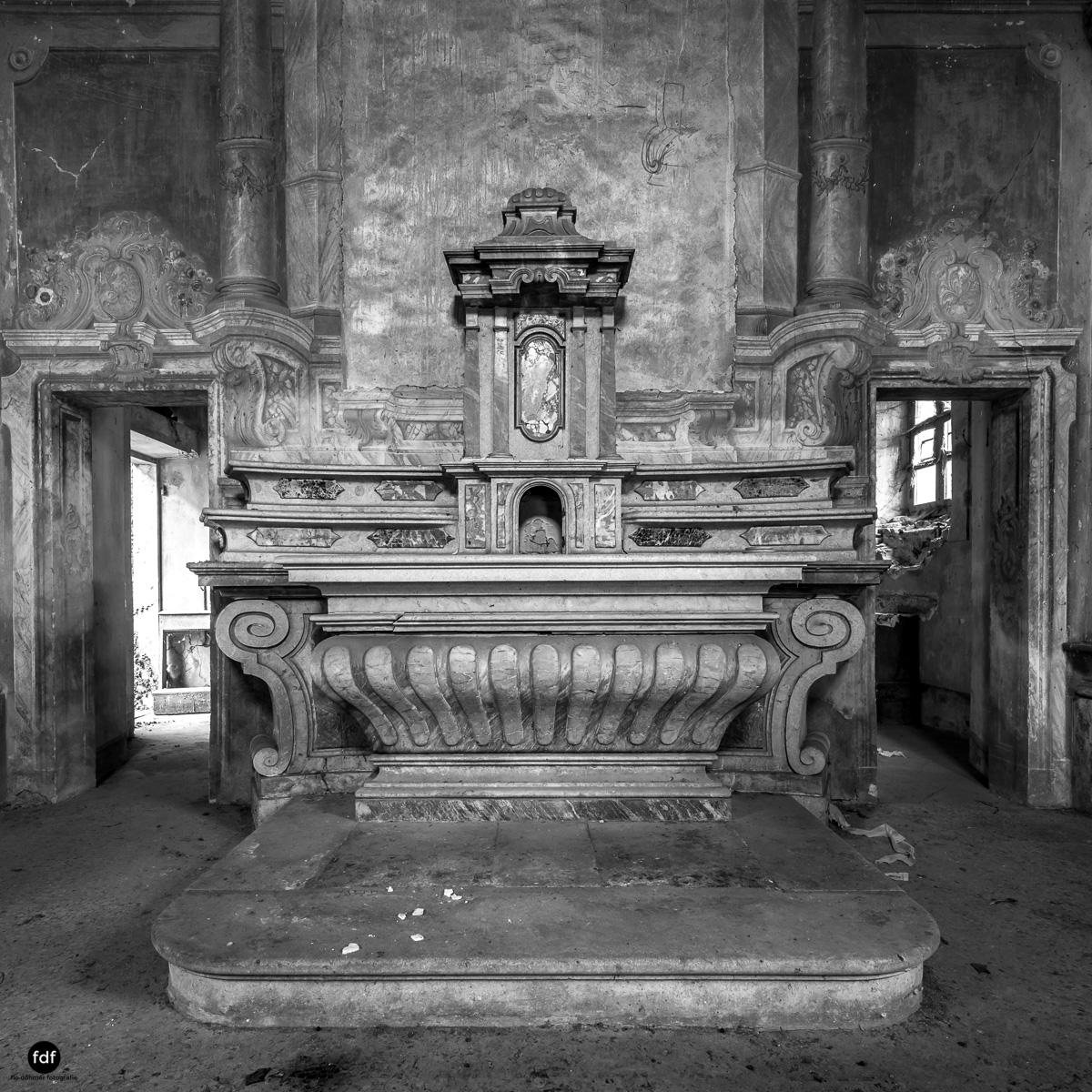 Palazzo di L-Herrenhaus-Kapelle-Lost Place-Italien-73.JPG