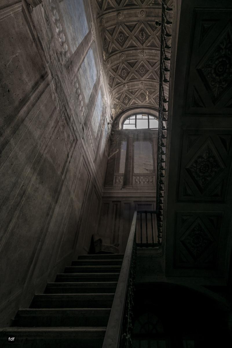 Palazzo di L-Herrenhaus-Kapelle-Lost Place-Italien-45.JPG