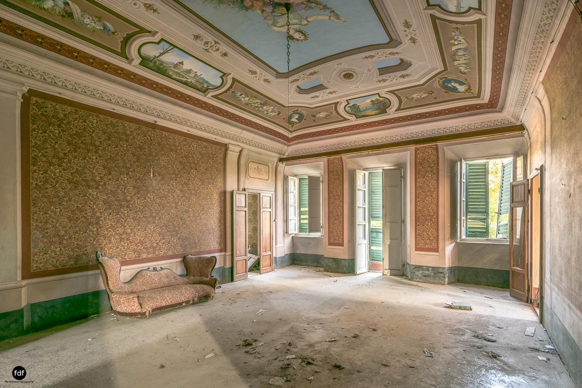 Villa Degli Specchi-Herrenhaus-Lost Place-Italien-45.JPG