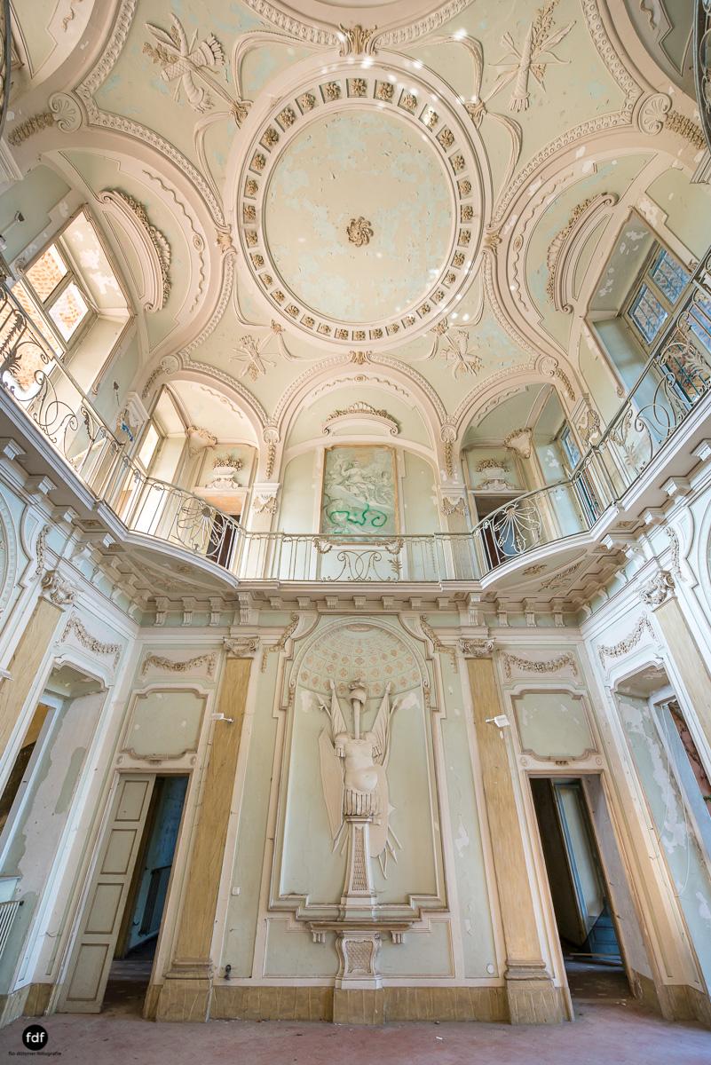 Palazzo Mint-Herrenhaus-Lost Place-Italien-2.JPG