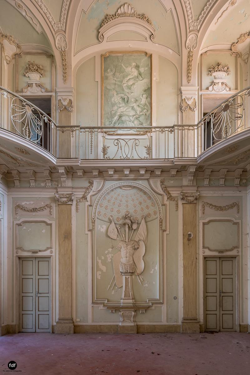 Palazzo Mint-Herrenhaus-Lost Place-Italien-9.JPG