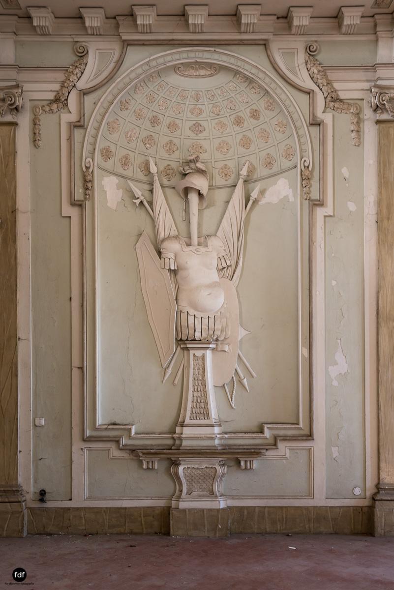 Palazzo Mint-Herrenhaus-Lost Place-Italien-7.JPG