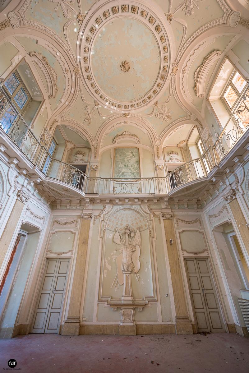 Palazzo Mint-Herrenhaus-Lost Place-Italien-10.JPG