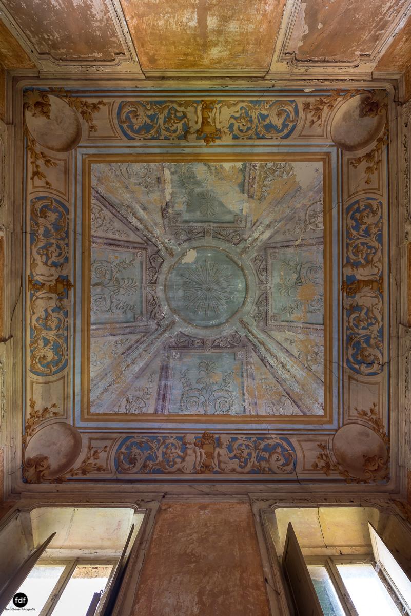 Palazzo Mint-Herrenhaus-Lost Place-Italien-14.JPG
