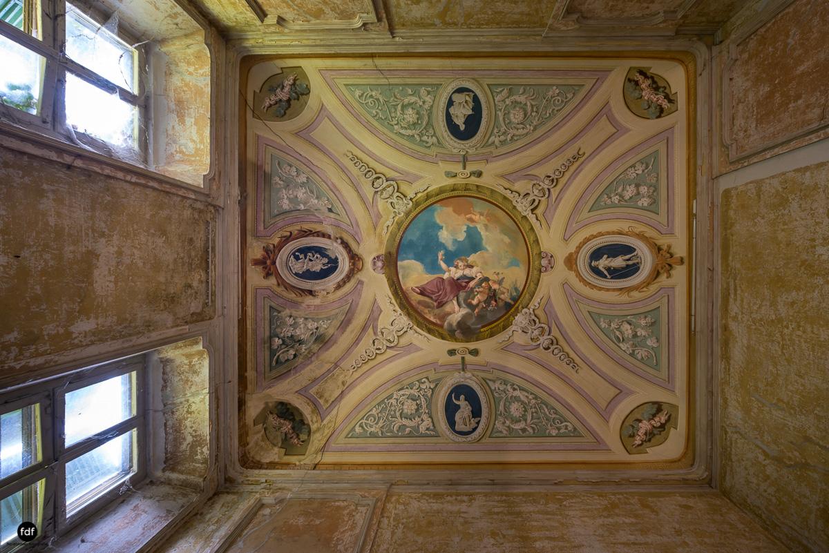 Palazzo Mint-Herrenhaus-Lost Place-Italien-21.JPG