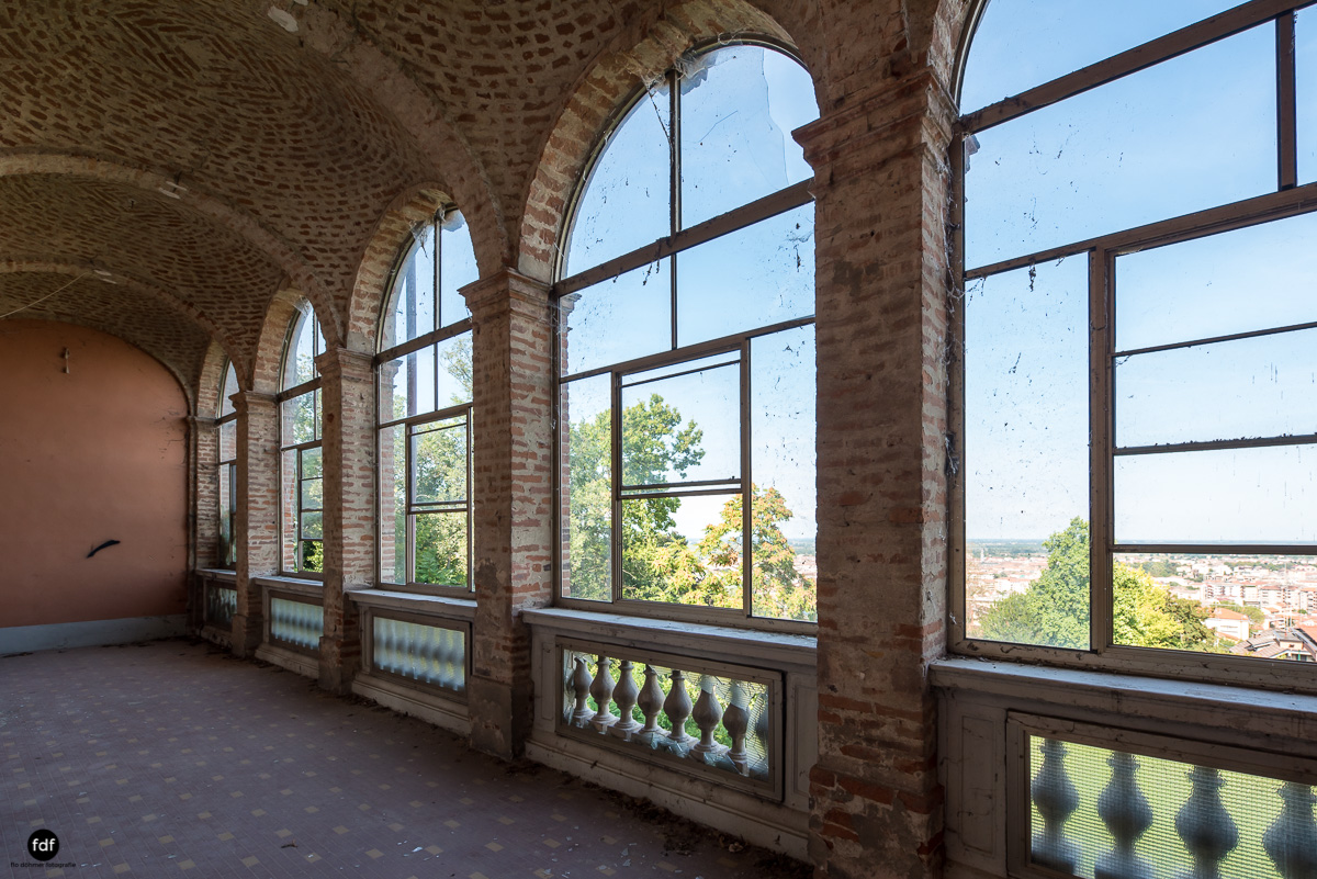 Palazzo Mint-Herrenhaus-Lost Place-Italien-23.JPG