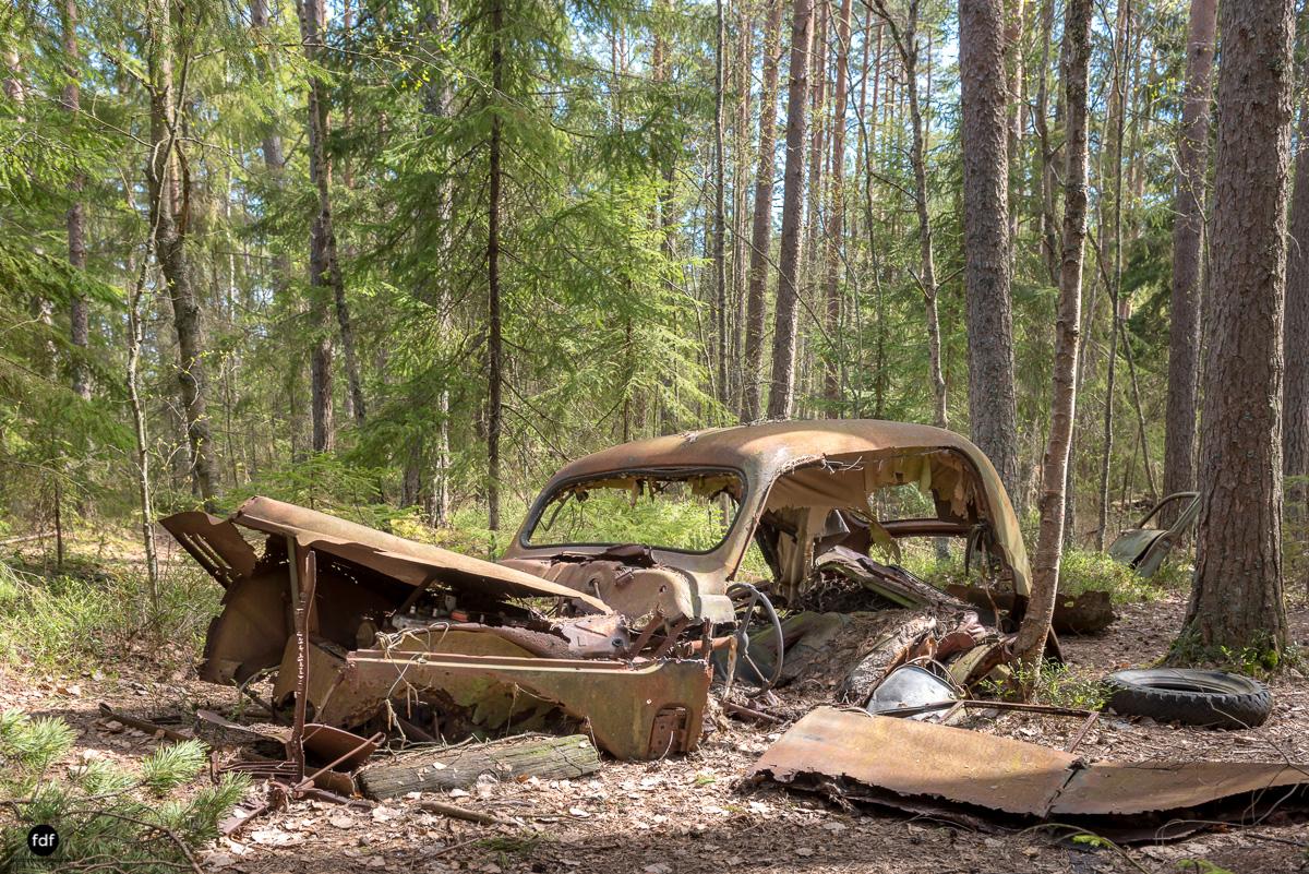 Forgotten Cars-Autofriedhof-Schrott-Lost Place-Schweden-7.JPG