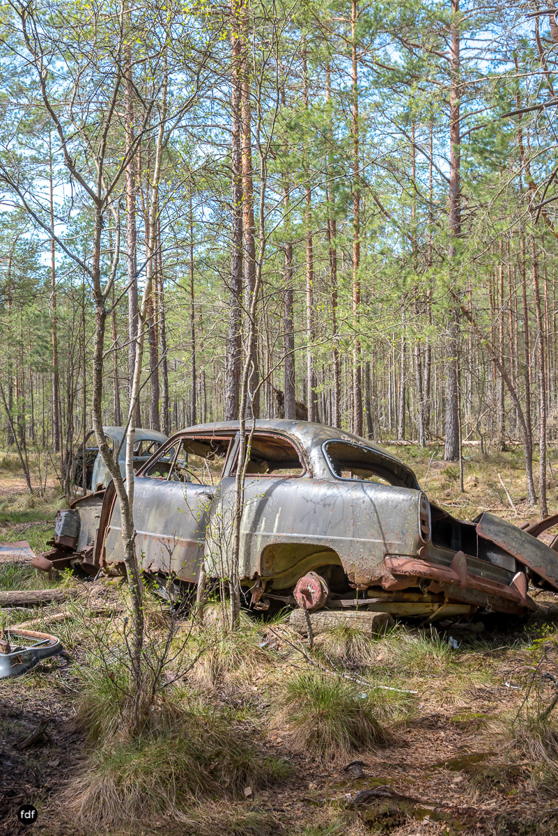 Forgotten Cars-Autofriedhof-Schrott-Lost Place-Schweden-16.JPG