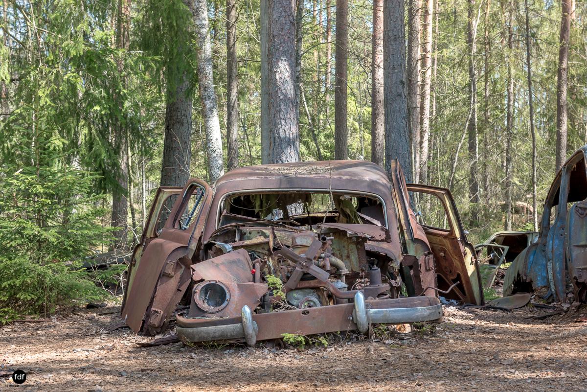 Forgotten Cars-Autofriedhof-Schrott-Lost Place-Schweden-45.JPG