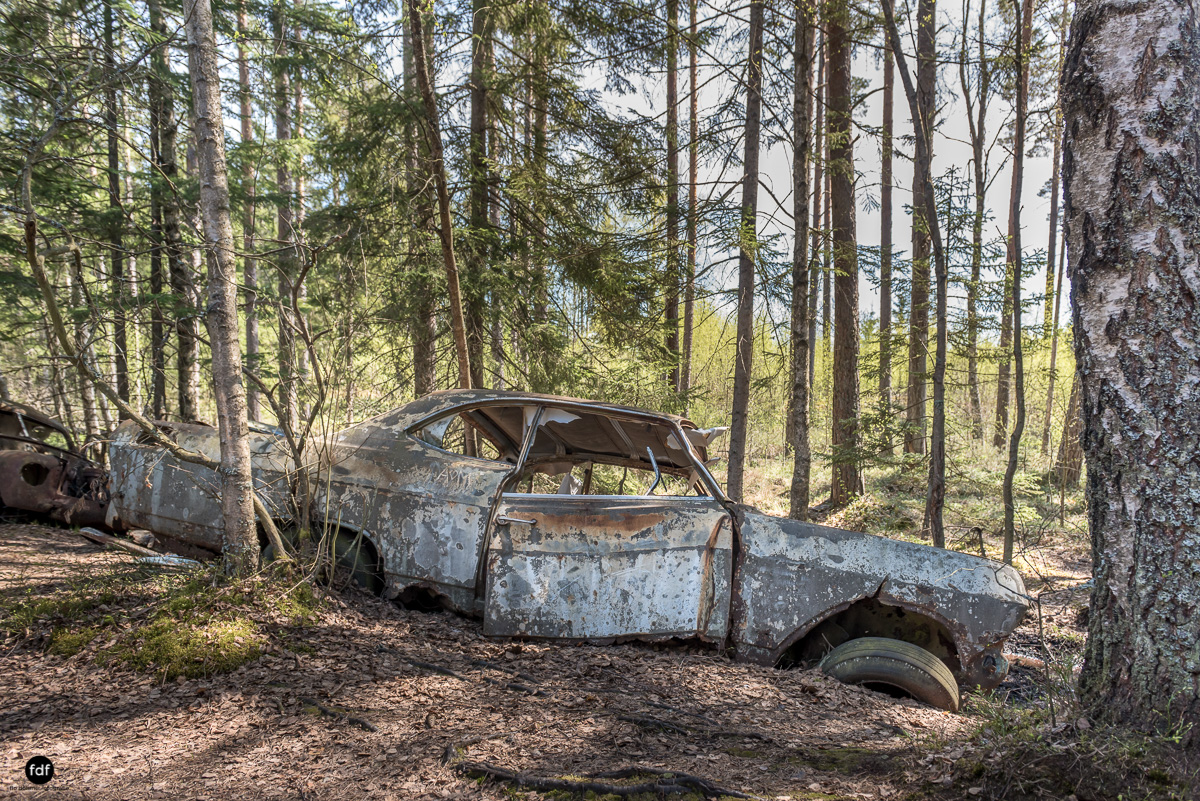 Forgotten Cars-Autofriedhof-Schrott-Lost Place-Schweden-68.JPG