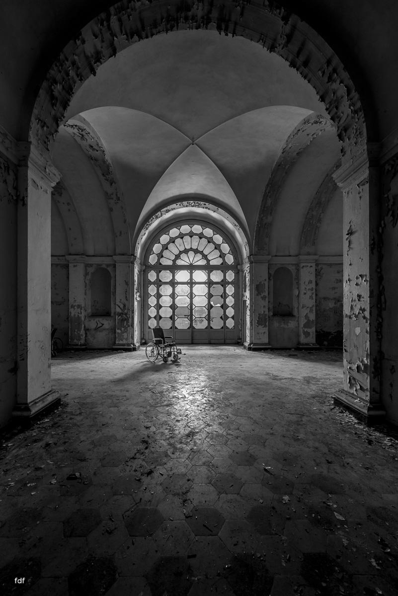 Manicomio di C-Klinik-Psychatrie-Lost Place-Italien-14.JPG