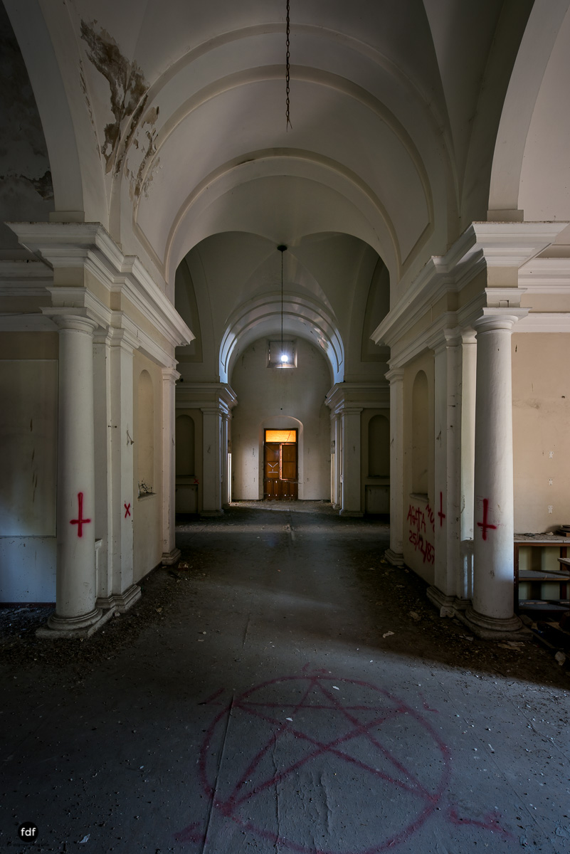 Manicomio di C-Klinik-Psychatrie-Lost Place-Italien-26.JPG