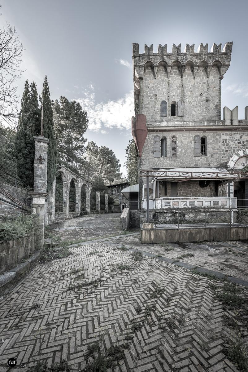 Discoteca Excalibur-Discoteca della Mafia-Lost Place-Italien-7.JPG