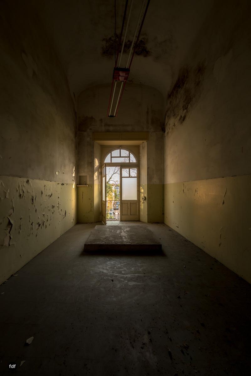 Casa di Riposo C-Klinik-Altenheim-Lost Place-Italien-8.JPG