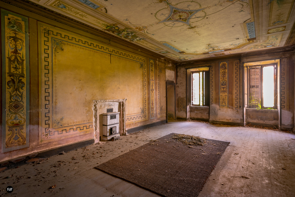 Oriental Gem-Herrenhaus-Lost Place-Italien-11.JPG
