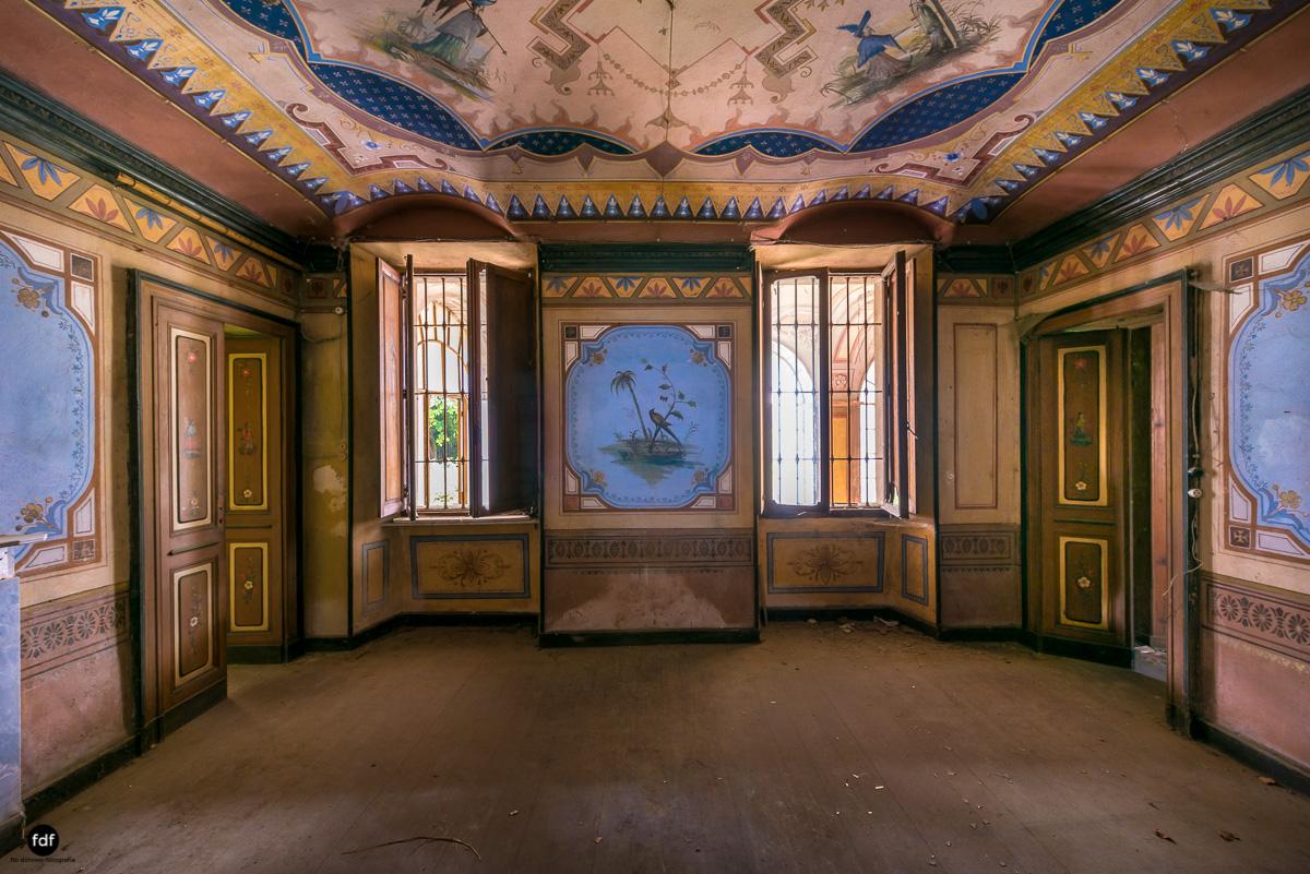 Oriental Gem-Herrenhaus-Lost Place-Italien-10.JPG