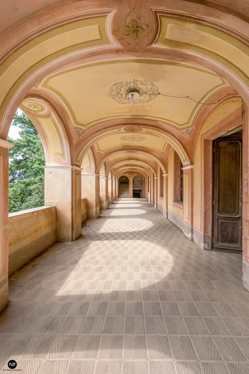 Oriental Gem-Herrenhaus-Lost Place-Italien-14-Bearbeitet.JPG