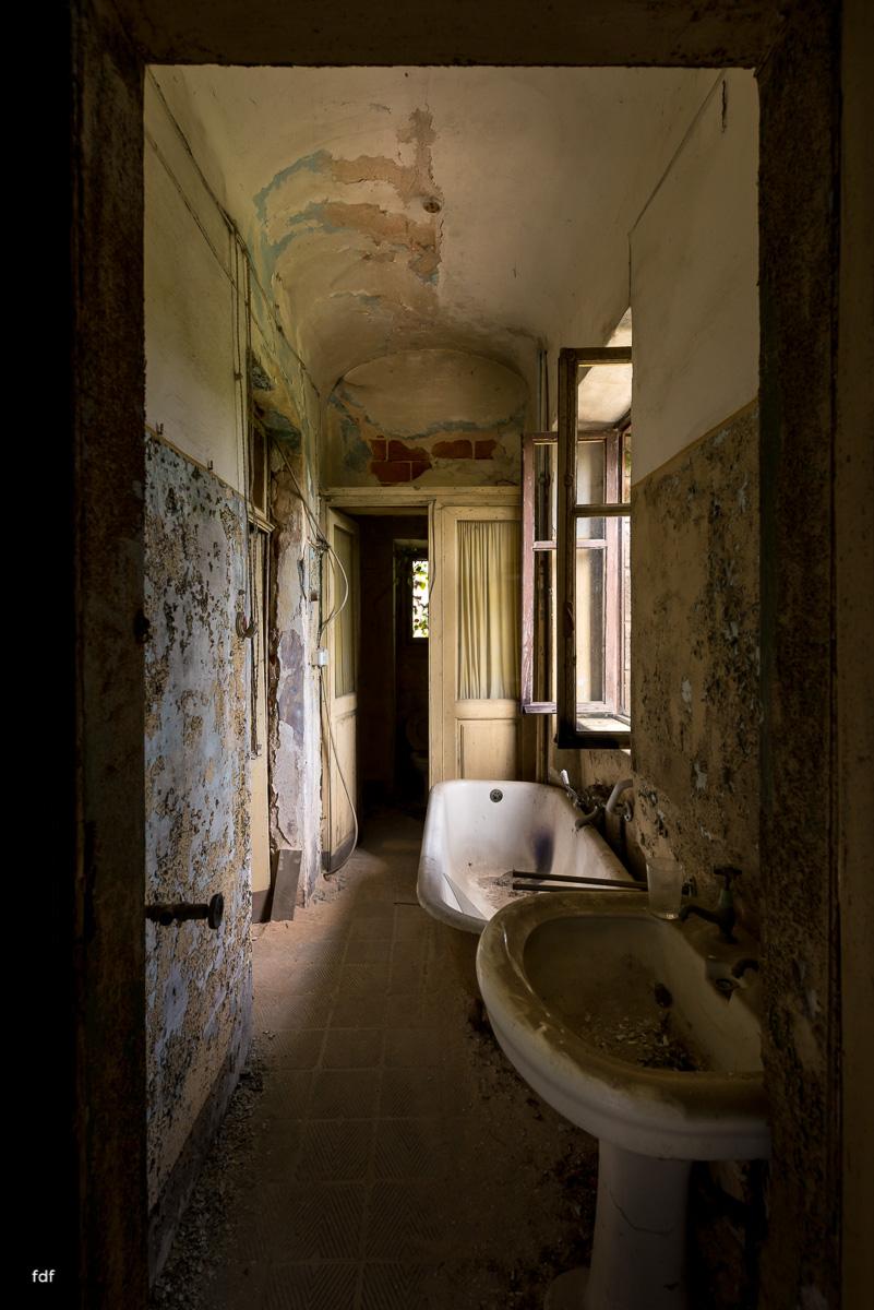 Oriental Gem-Herrenhaus-Lost Place-Italien-15.JPG