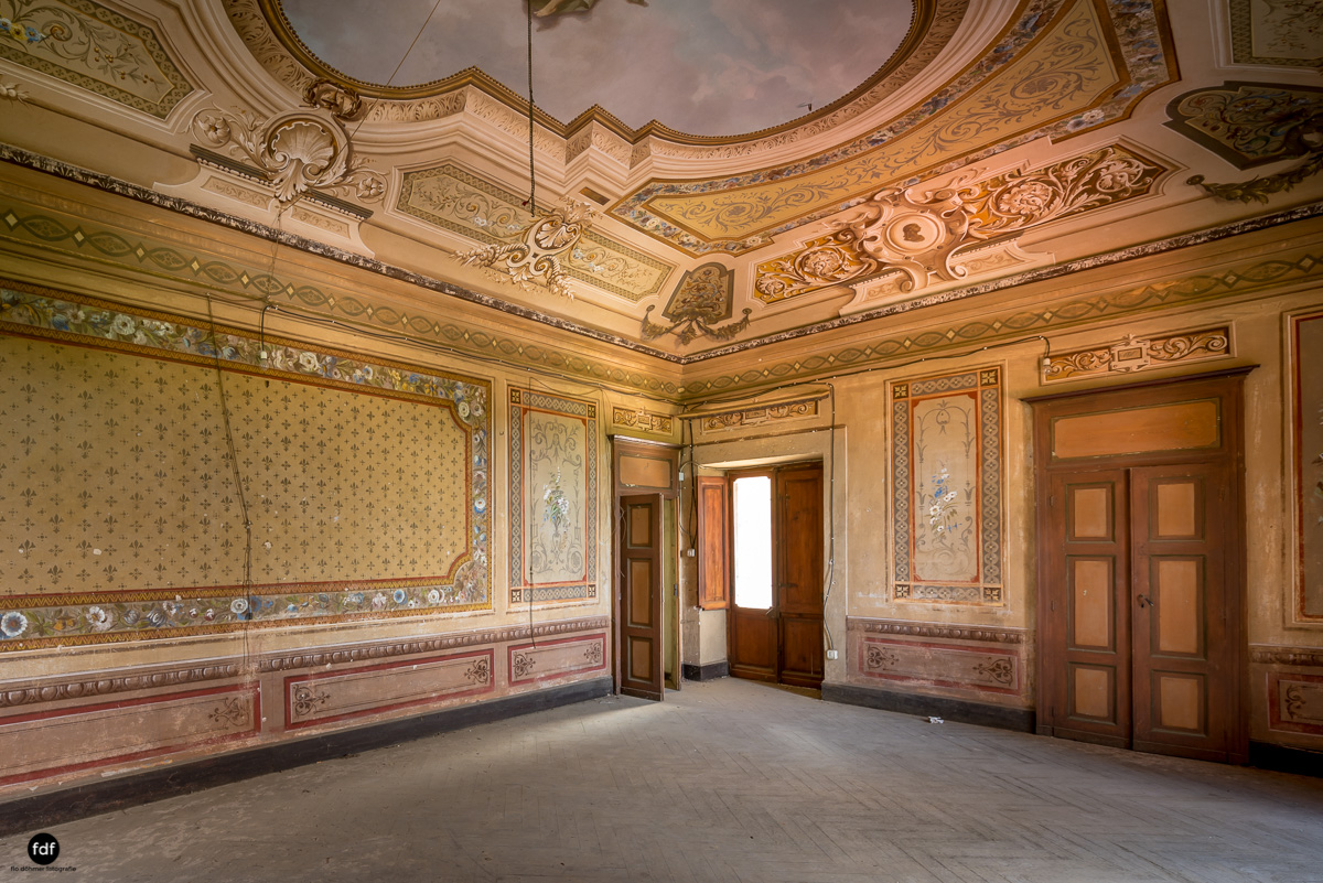 Oriental Gem-Herrenhaus-Lost Place-Italien-21.JPG