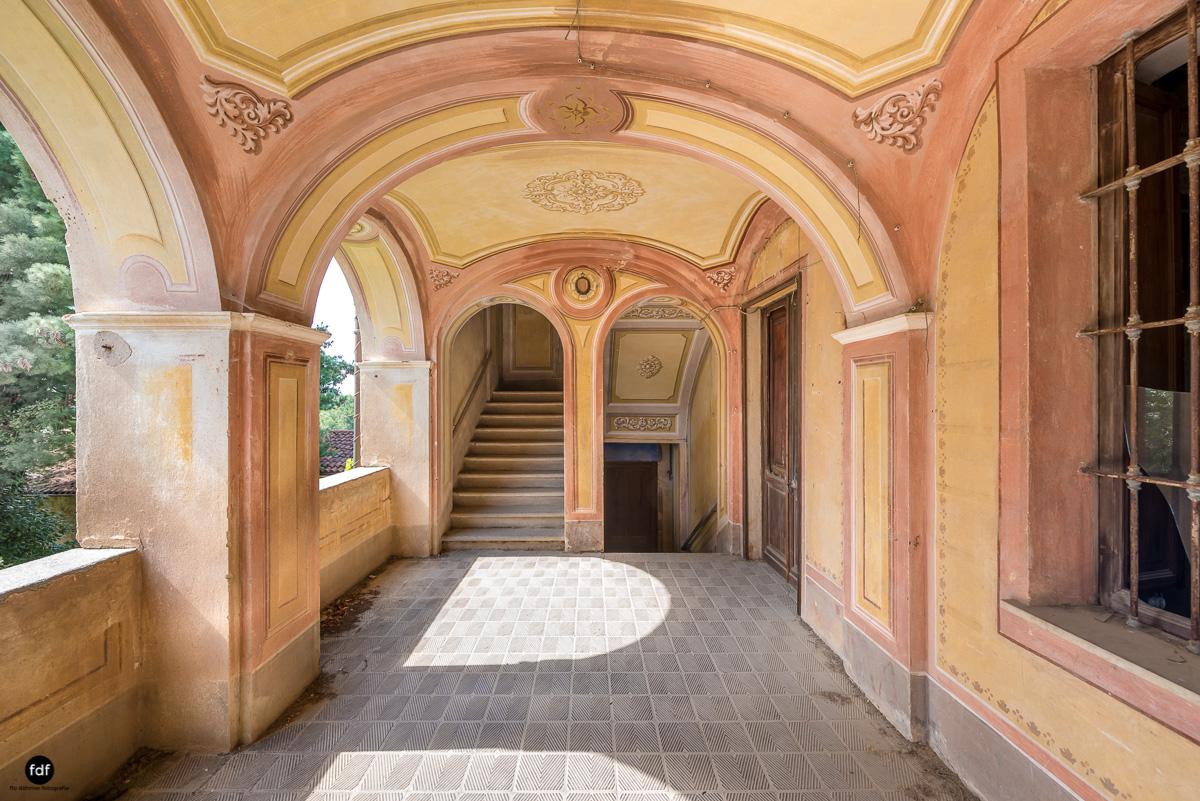 Oriental Gem-Herrenhaus-Lost Place-Italien-27.JPG