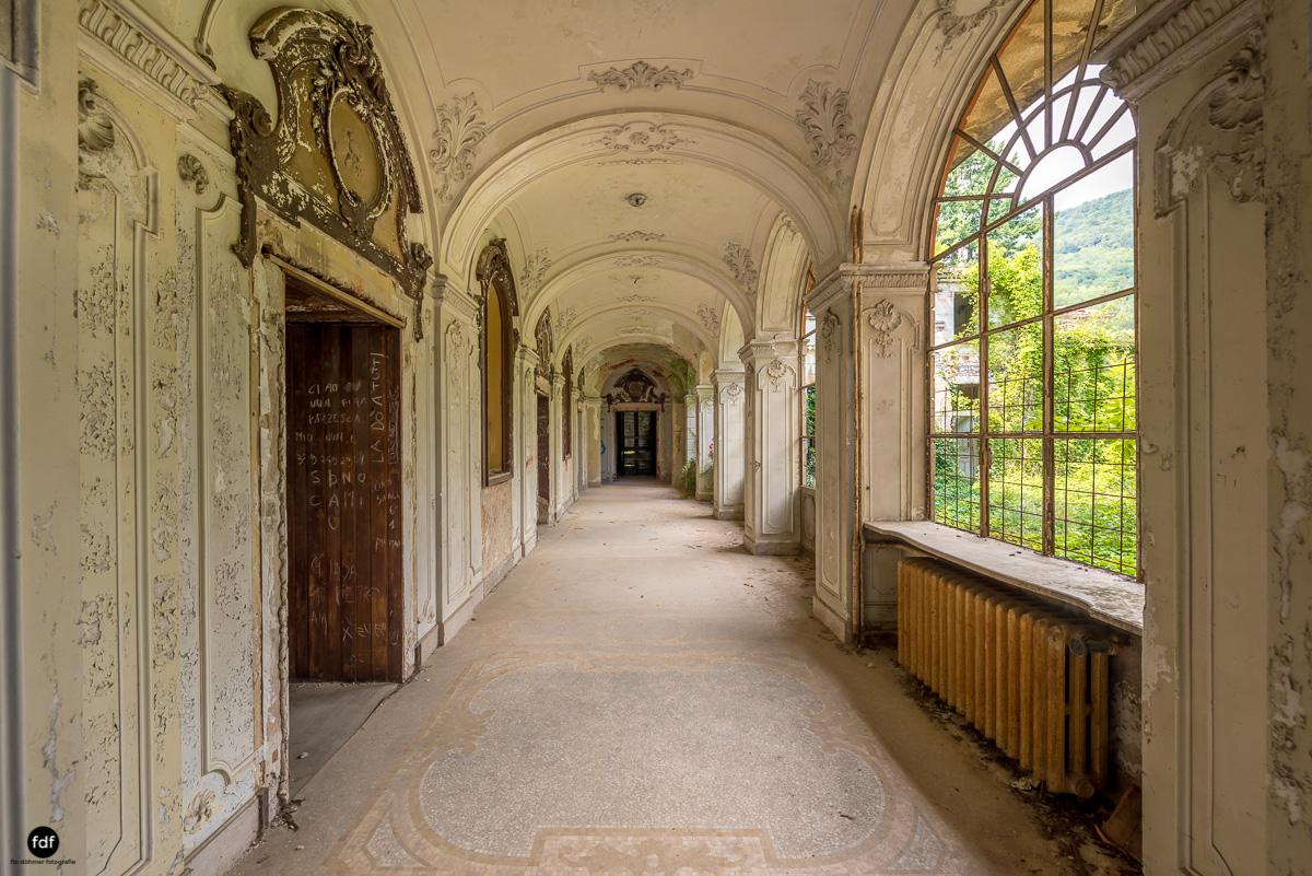 Villa Grazia-Herrenhaus-Kapelle-Lost Place-Italien-2.JPG